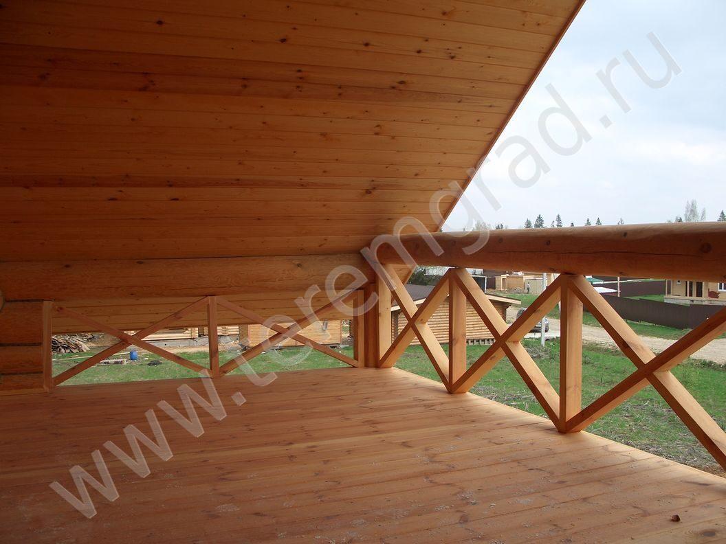Отделка открытого балкона в деревянном доме..